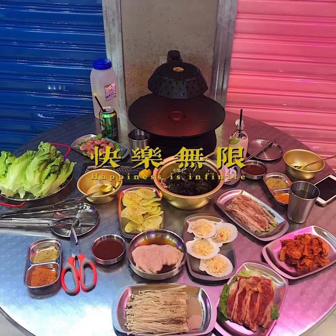 免费吃小龙虾啦! 韩国街头风烤肉店,随手一拍都有韩剧那味儿,来晚了只能排队队队队.......